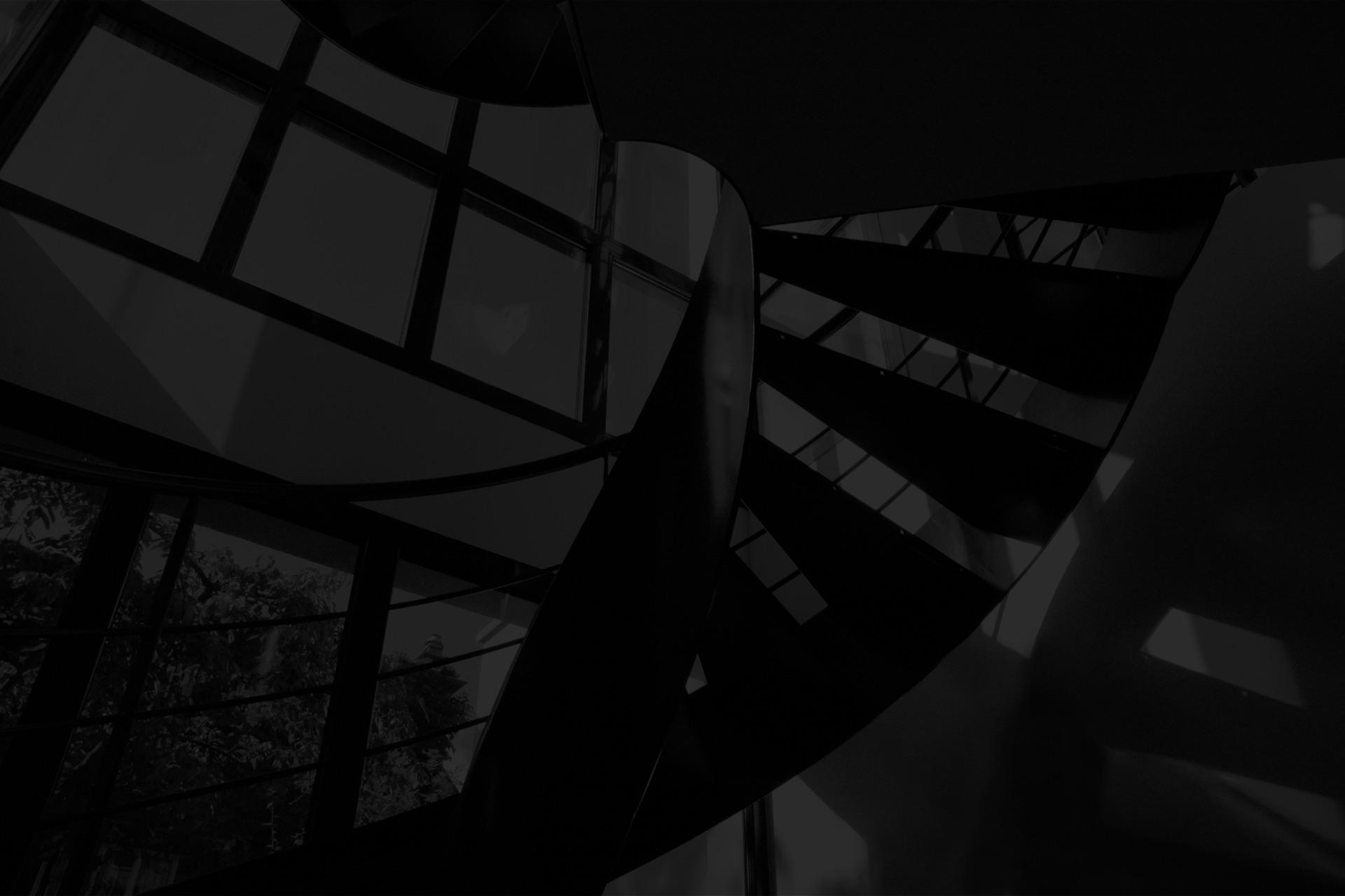 Photo noir et blanc d'escalier intérieur