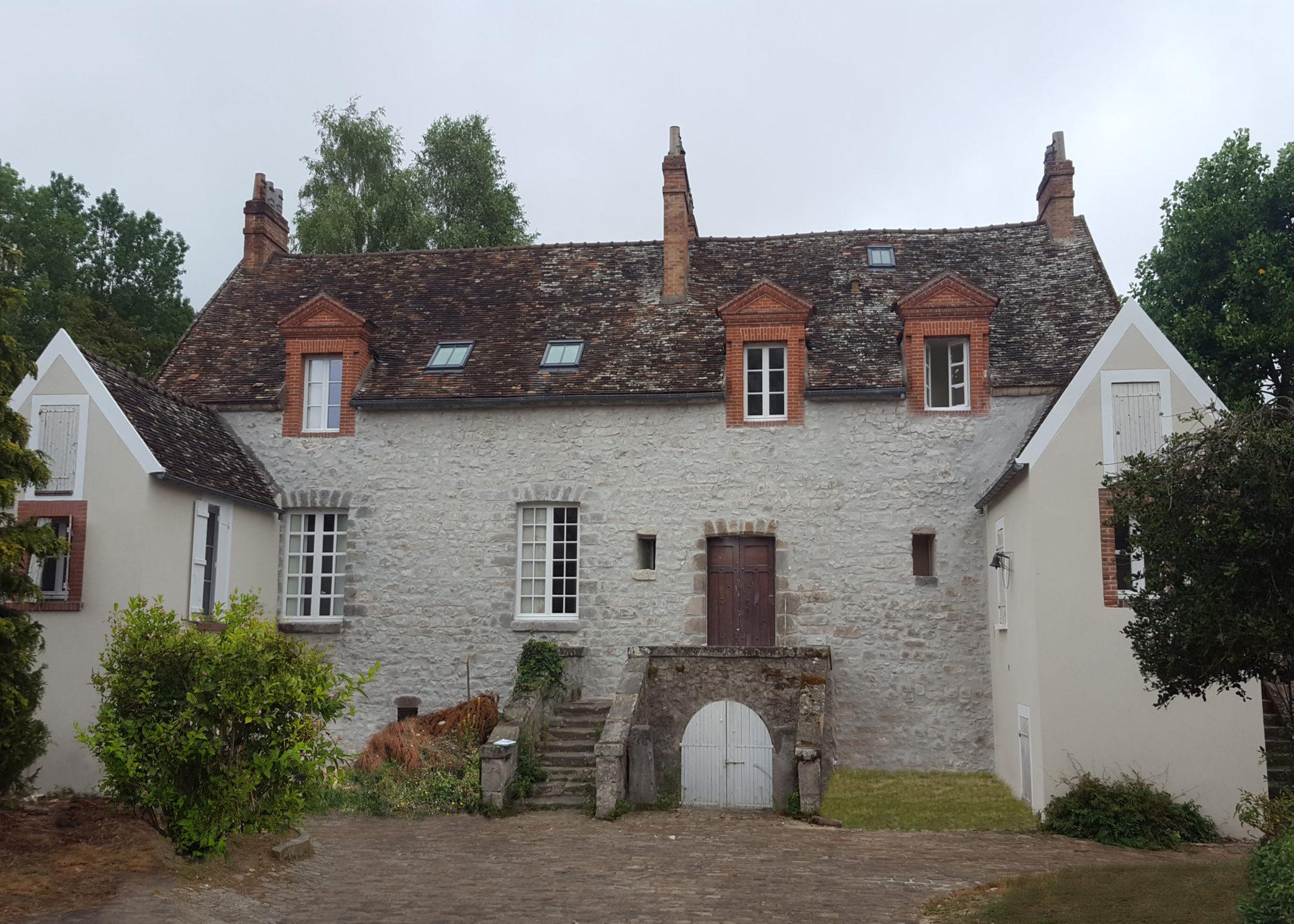 Photo de la rénovation d'une maison ancienne en pierre